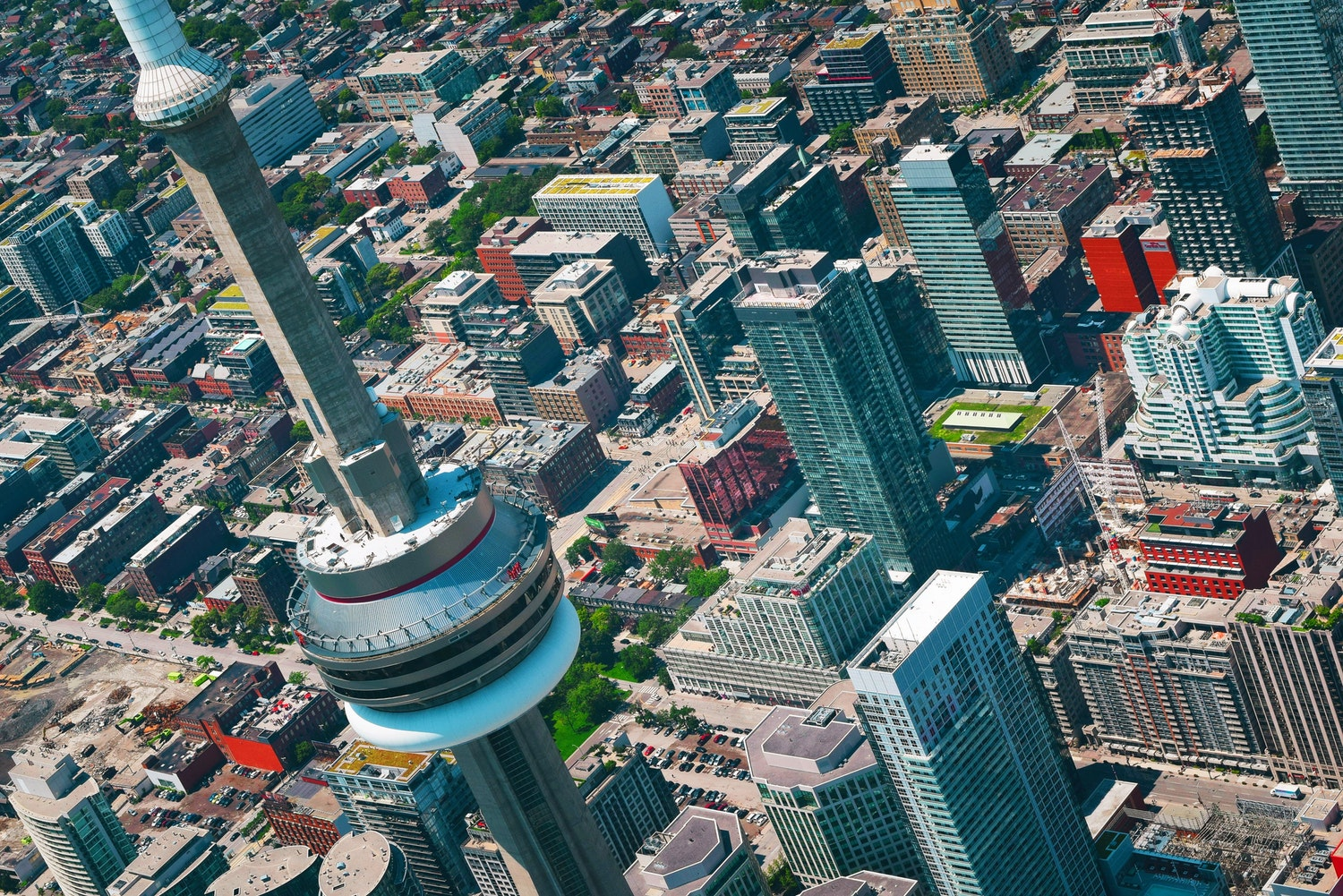 Zillow expands offerings with new Canadian home listings