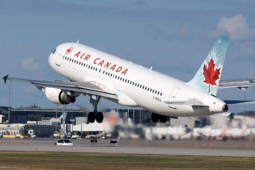 Air Canada targets a customer reward program 1