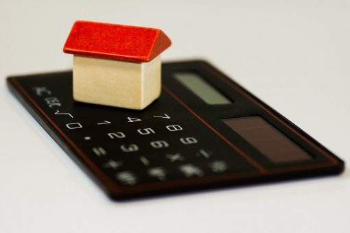 Canada's tougher mortgage rules to target private lenders next 1