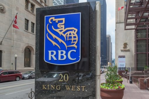RBC clinches largest sole advisory role in landmark BB&T-SunTrust merger 1